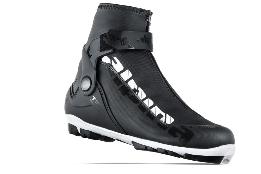 Women's Cross Country Ski Boots – A Buyers Guide